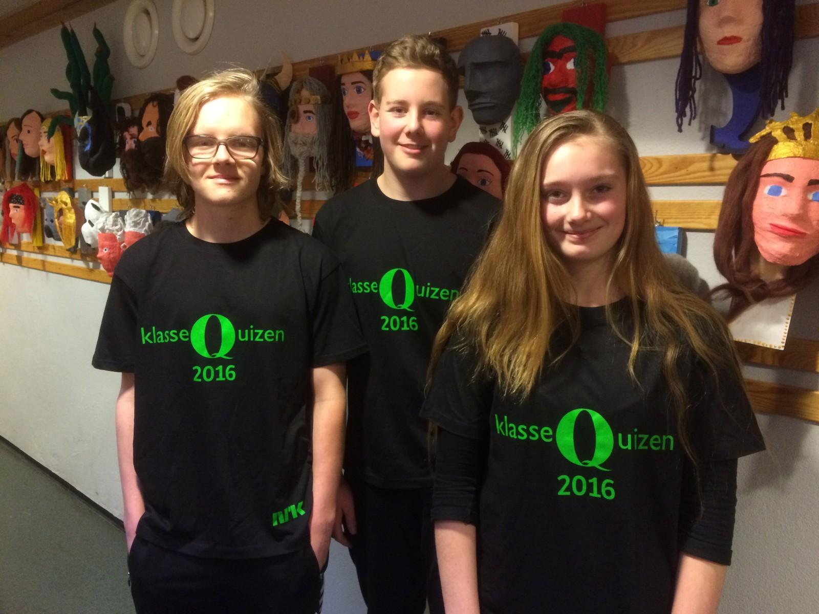 Tynset ungdomsskole fikk åtte rette. F.v. Simen Nordhaug, Kristian Westum og Kristina Horten.