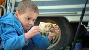 Axel finner 500 kroner!