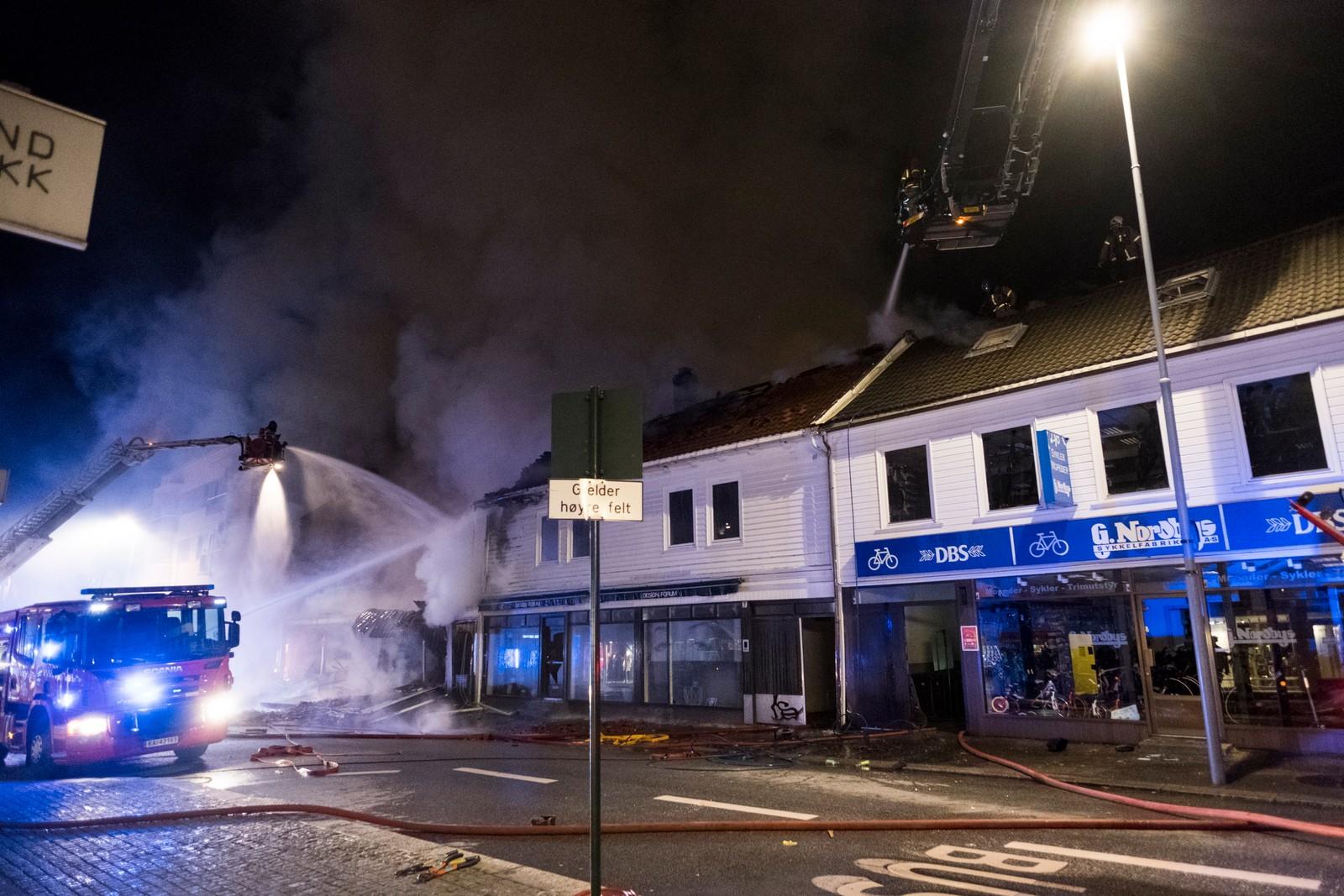 Kristiansand 20161030. Det var en brann i Kristiansand sentrum natt til søndag. Foto: Tor Erik Schrøder / NTB scanpix Det var en brann i Kristiansand sentrum natt til søndag.