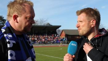 Bengt Solheim Olsen blir intervjua av Arve Uglum.