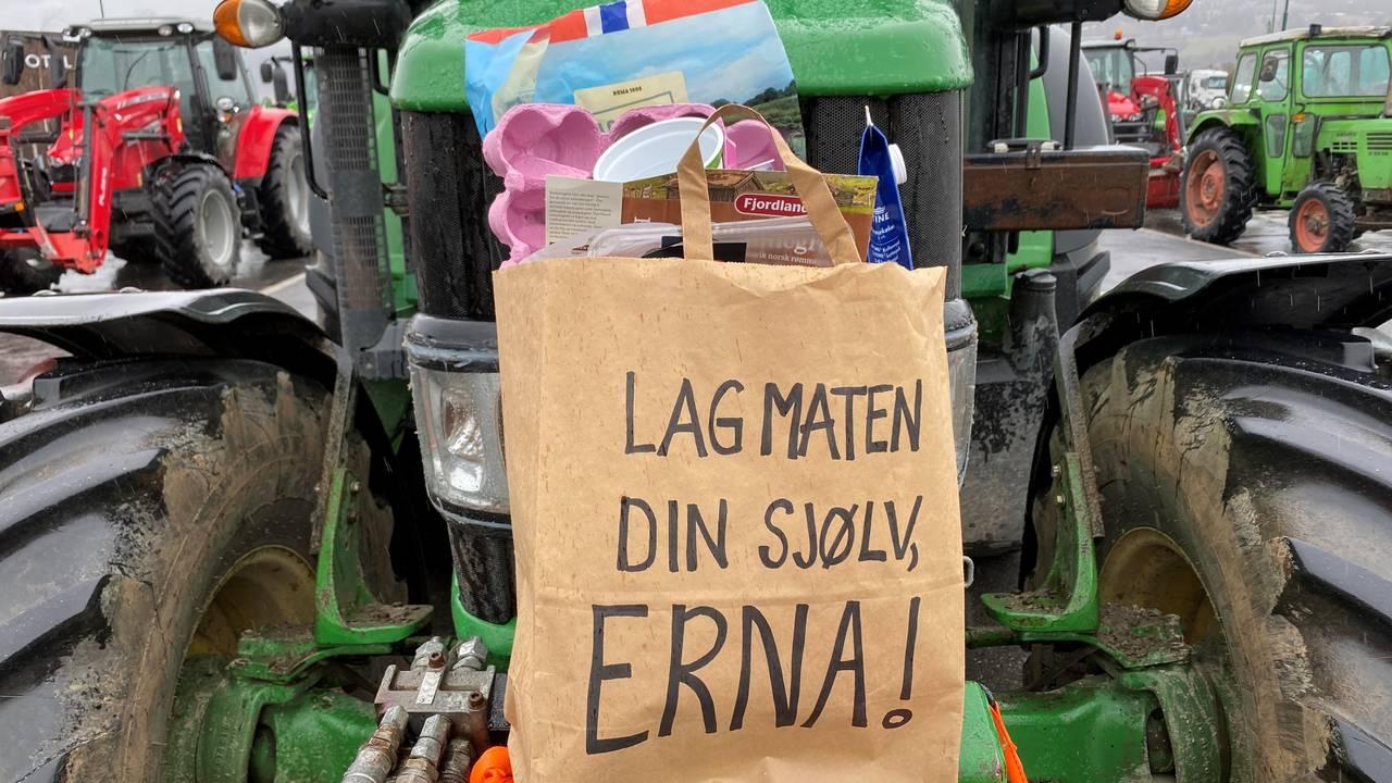 Flere traktorer dukket opp på Vinstra mandag.