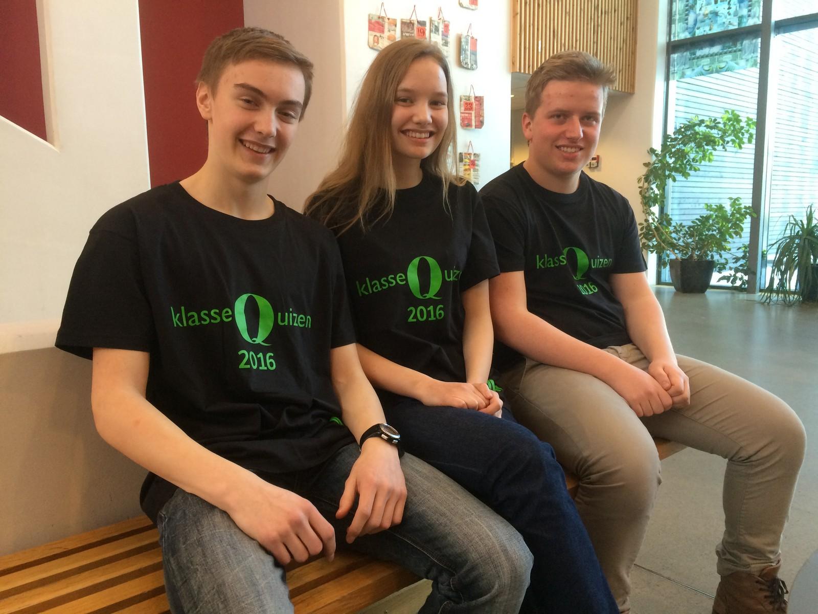 Ener ungdomsskole fra Hamar klarte 11 rette i Klassequizen. F.v. Fredrik Løvbak Hagen, Elisabeth Halvorsen og Fredrik Sveen.