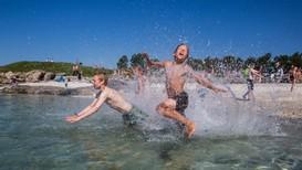Det ventes varmt vær i dagene som kommer, og dermed kanskje også brukbar badetemperatur enkelte steder.