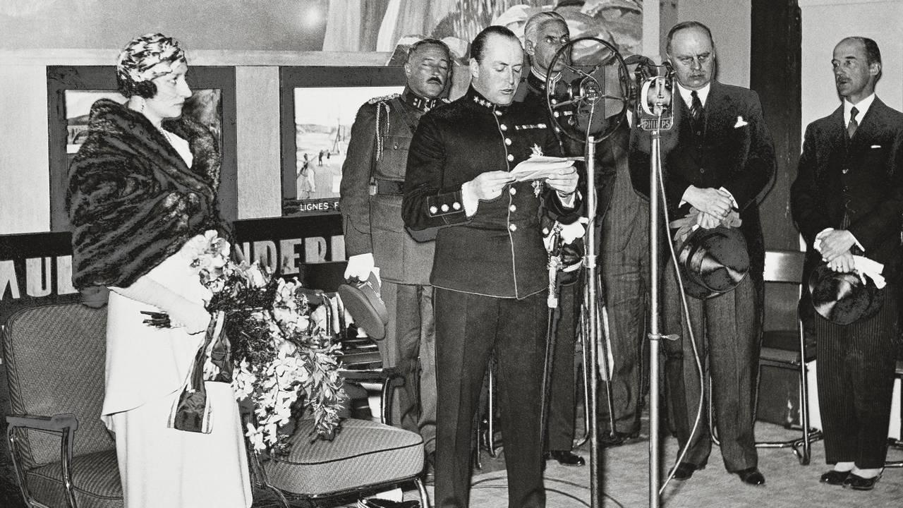 Kronprins Olav åpner Norges pavilijong i Brussel 1935.