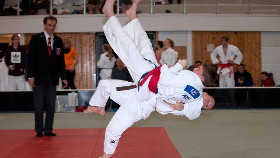 17:25 · NM-veka: Judo, lagfinaler