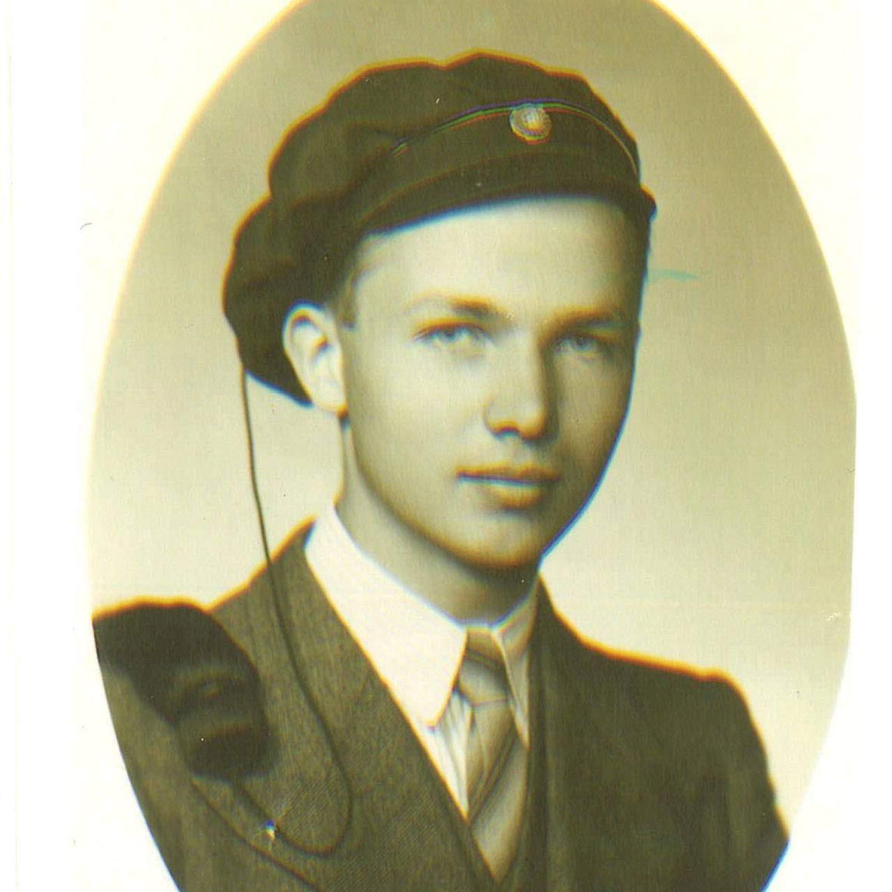 Egil Hjelde som 19 år gamal student.