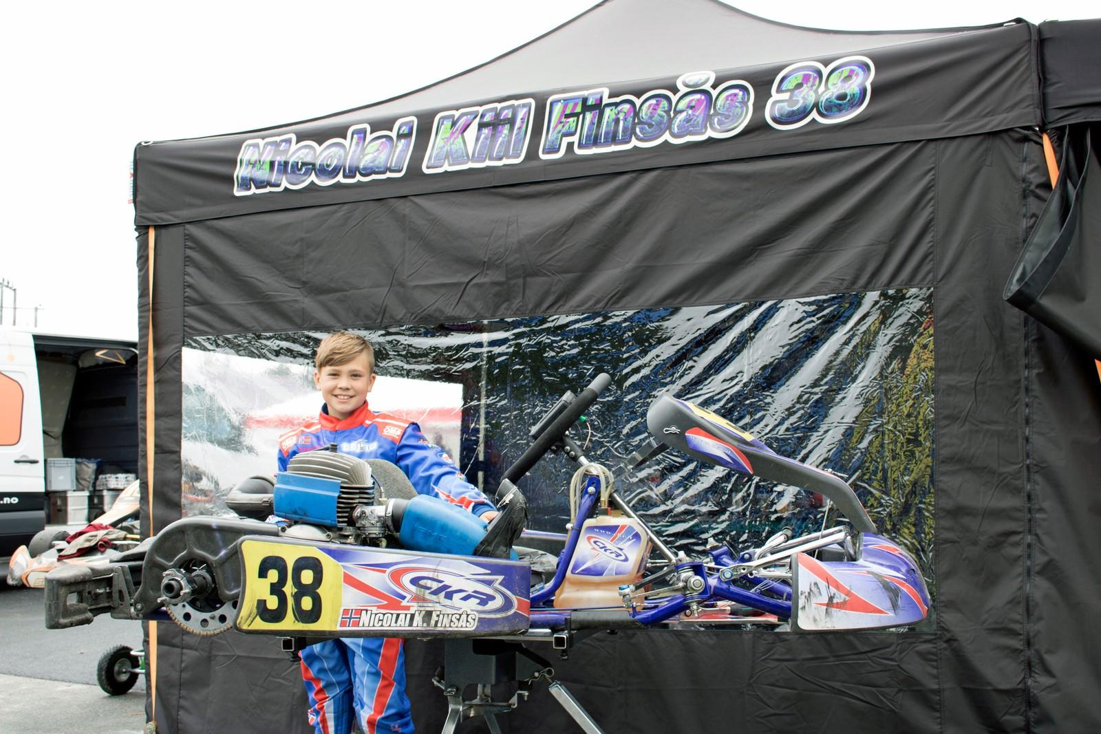 SATSAR: Nicolai Kiil Finsås (11) frå CKR Racing køyrde inn til 3. plass i sin klasse - Mini Gruppe A.