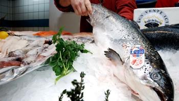 Norsk laks på fiskemarket