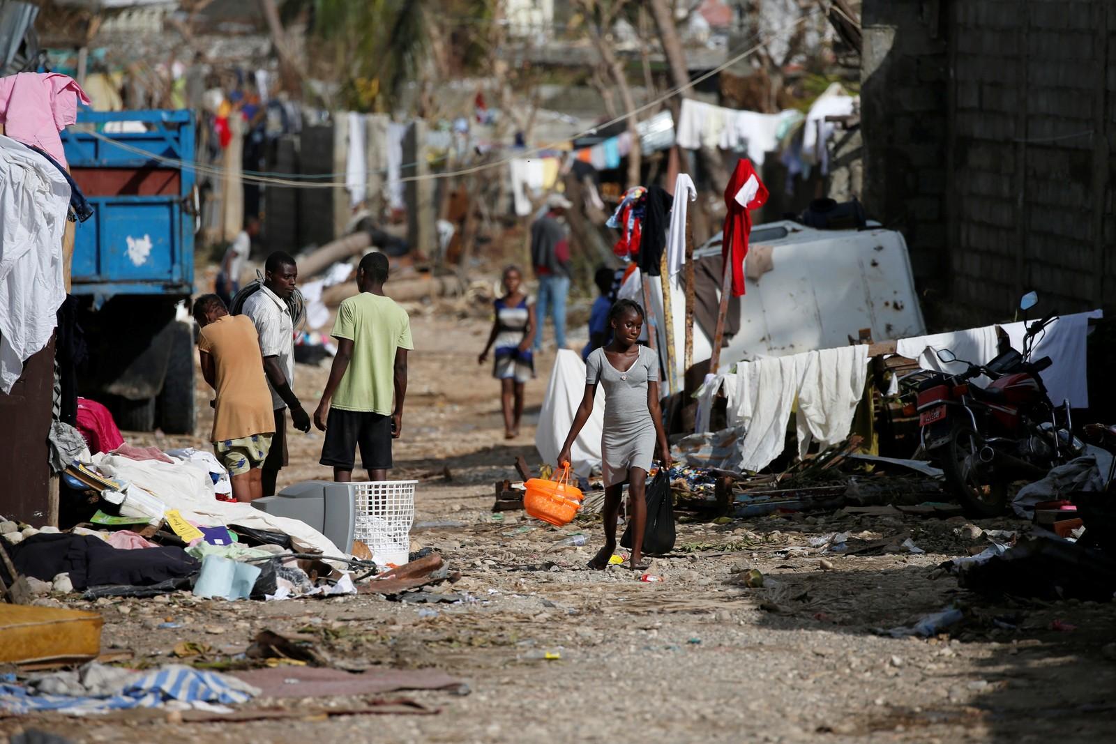 Haiti er et av verdens fattigste land og halvparten lever på mindre enn 1 dollar om dagen.