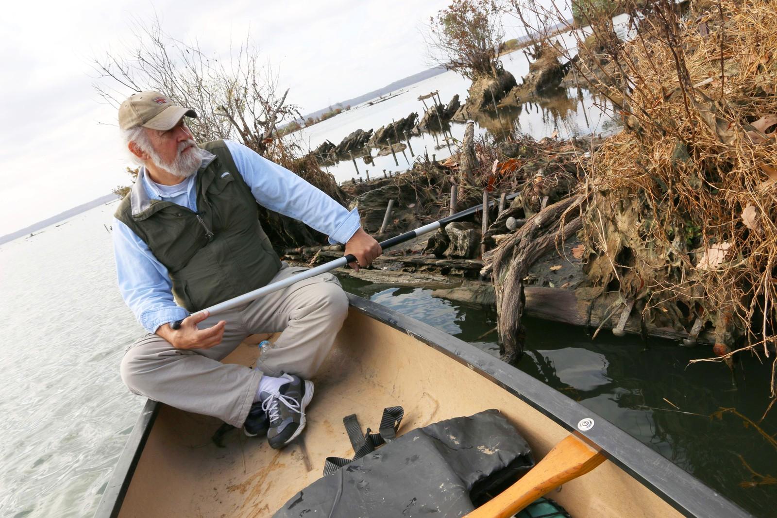 Marinarkeologen Don Shomette har undersøkt en rekke av skipsvrakene i Mallows Bay.