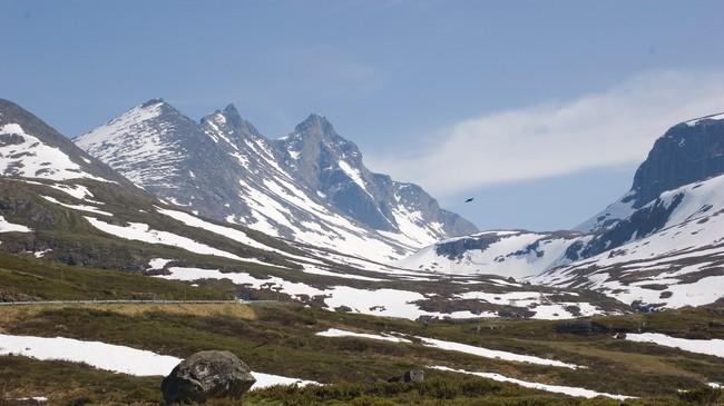 Skagastølstindane er mellom dei 56 toppane over 2000 meters høgde i Sogn og Fjordane. Her er tindane slik dei tek seg ut frå Turtagrø.Foto: Merete Husmo Høidal, NRK.