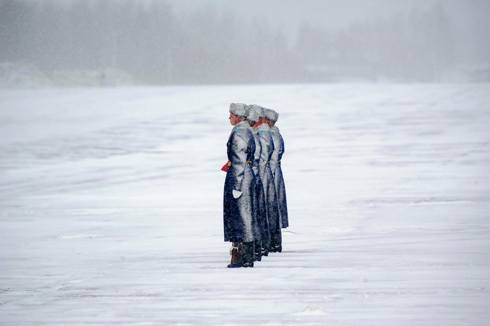 Hviterussiske æresvakter utenfor Minsk.