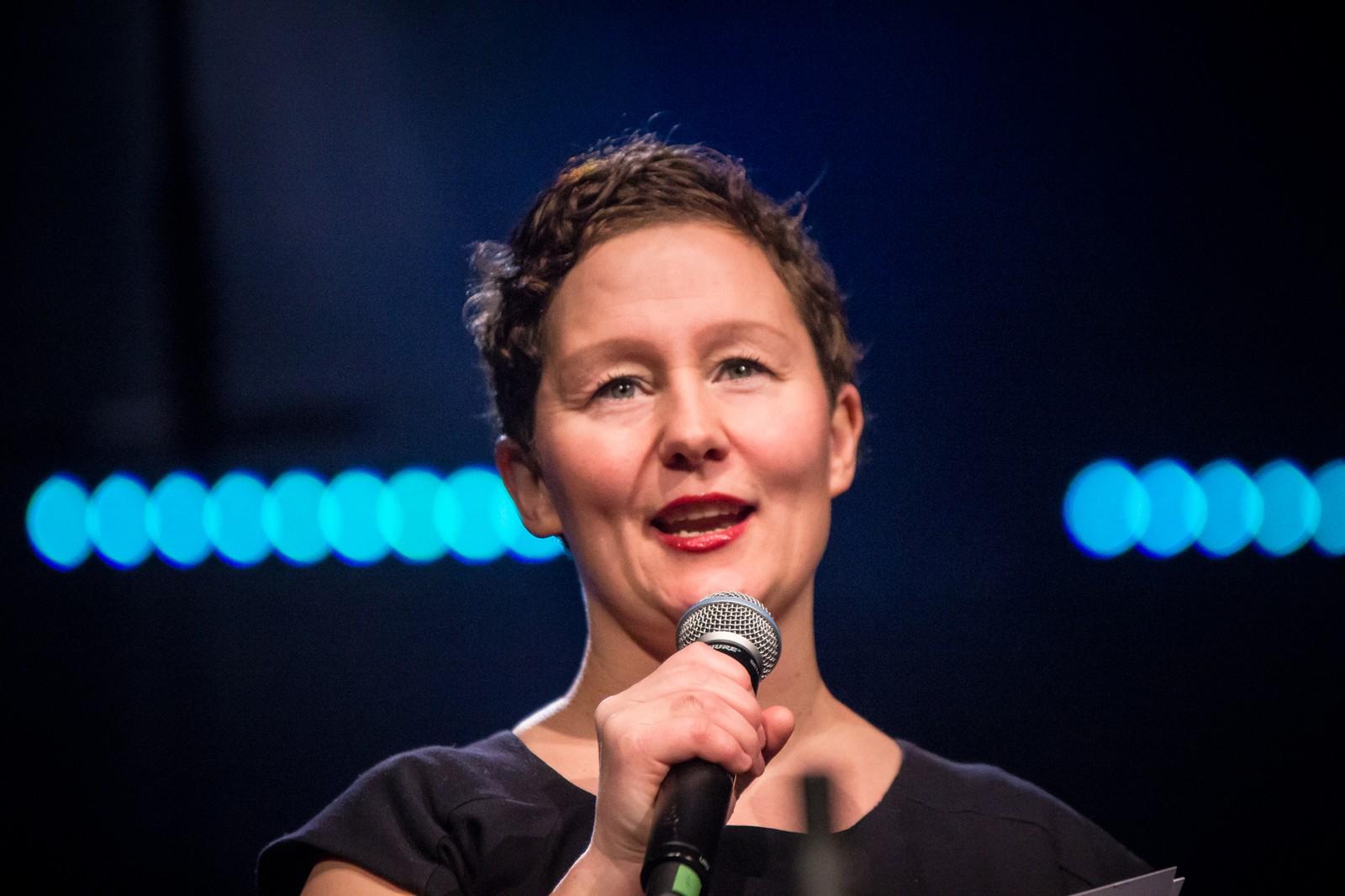Byrådsleder Kristin Røymo (Ap) åpnet UKM-forestillingen.