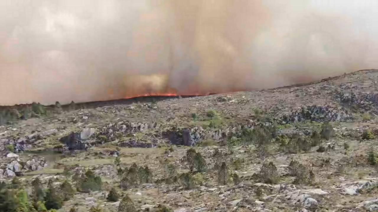 Brannvesenets egne bilder fra brannen i Øygarden