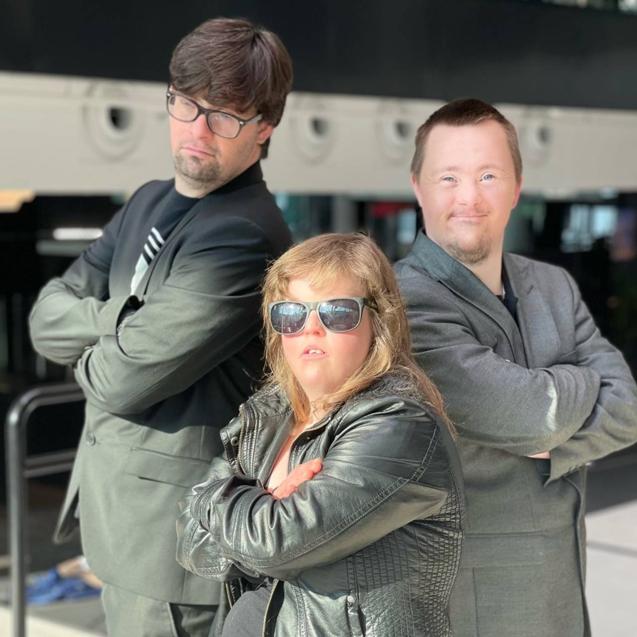 Medhjelperne til Detektiv Downs.