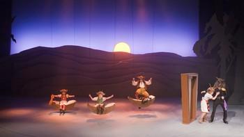Goga (Lovise Espolin Hals), Lydi (Marie Gjørsund Kleppen), Matei (Filip Brodal Tøndelstrand), Geita (Ingrid Bergstrøm) og Ulven (Pål Christian Eggen)