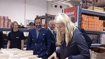 Som siste stopp på et hektisk program i dag, satte kronprinsparet av god tid til Hamran kjøkken i Hægebostad. Der skulle de bli overrasket på flere måter.