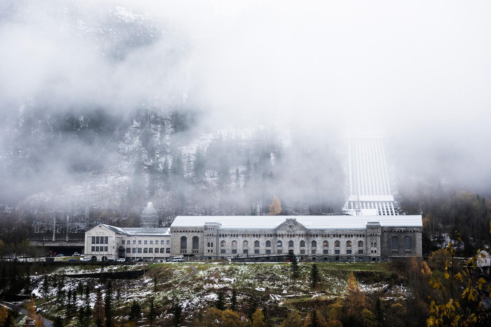 NOTODDEN OG RJUKAN: industristeder er fremragende eksempler på industrisamfunnene som vokste fram i Norge på begynnelsen av 1900-tallet. De representerer det store, industrielle gjennombruddet hvor sammenkoplingen av kraft, teknologi og kapital var avgjørende. Norsk Hydro på Rjukan