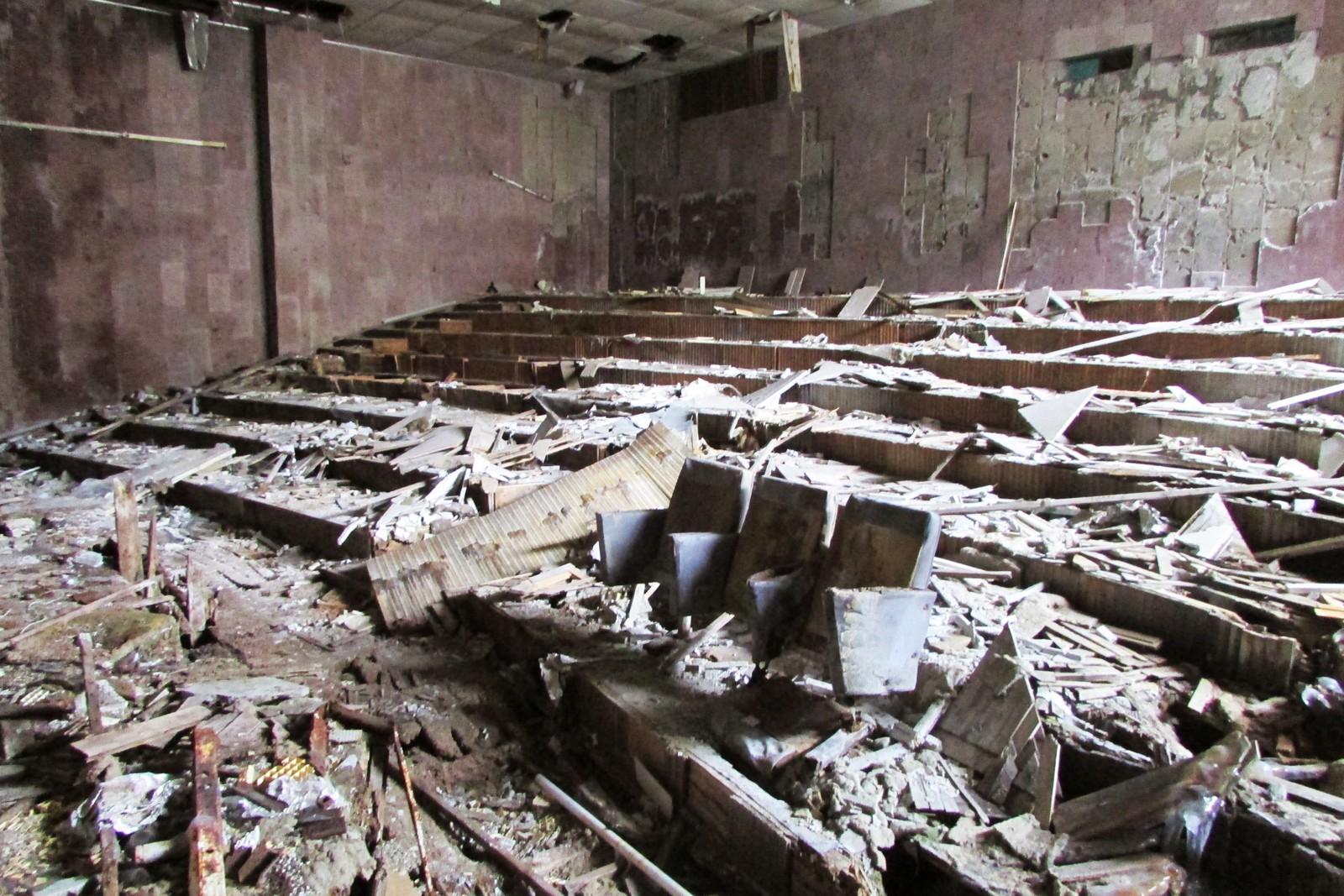 I dag står bare noen enslige stoler igjen i forelesningssalen.