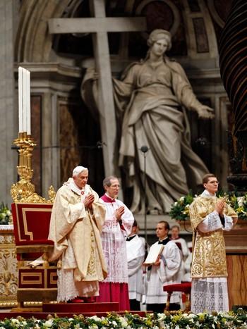 Pave Benedikt XVI midnattsmesse 24. desember 2011