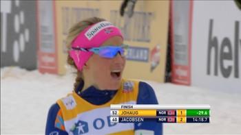 Therese Johaug går et fantastisk løp på dagens 5 km i Falun.
