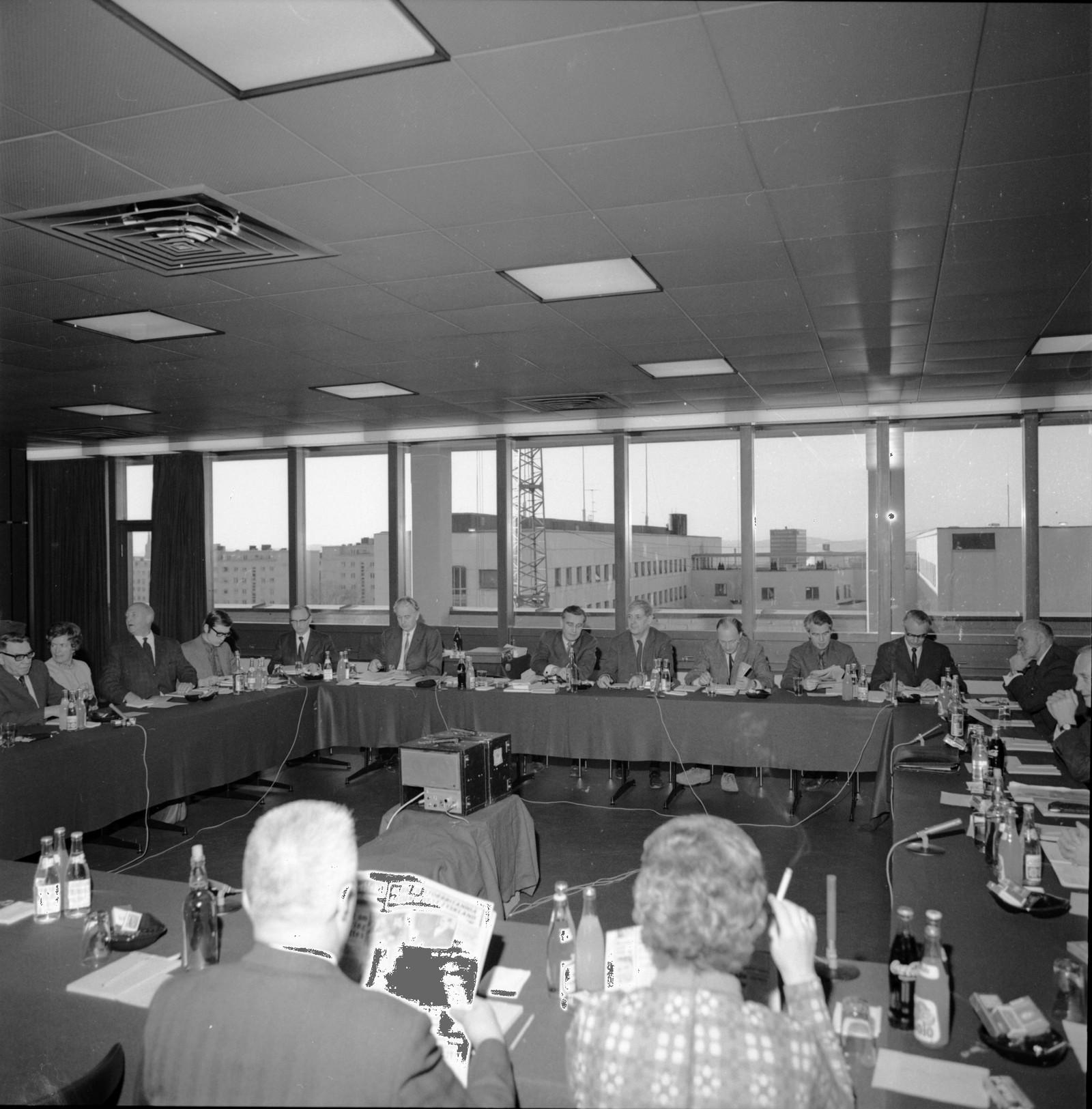 Møte i Kringkastingsrådet ca 1973.