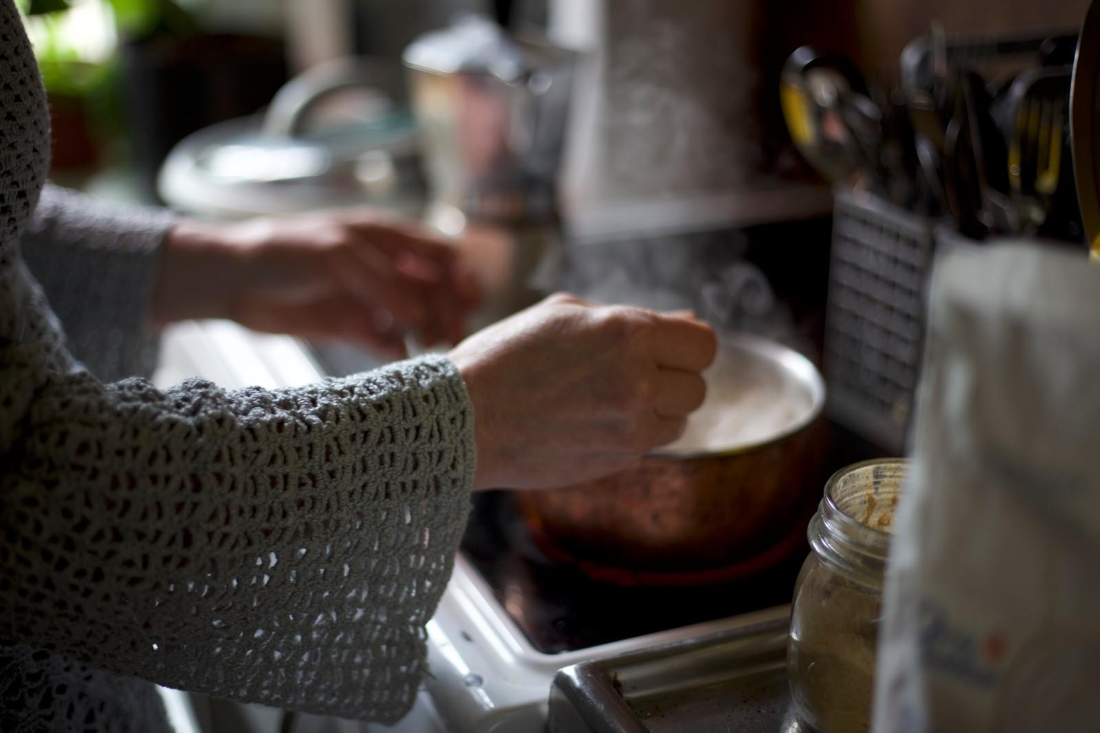Ingen lettvinte teposer på kjøkkenet hos Irina.