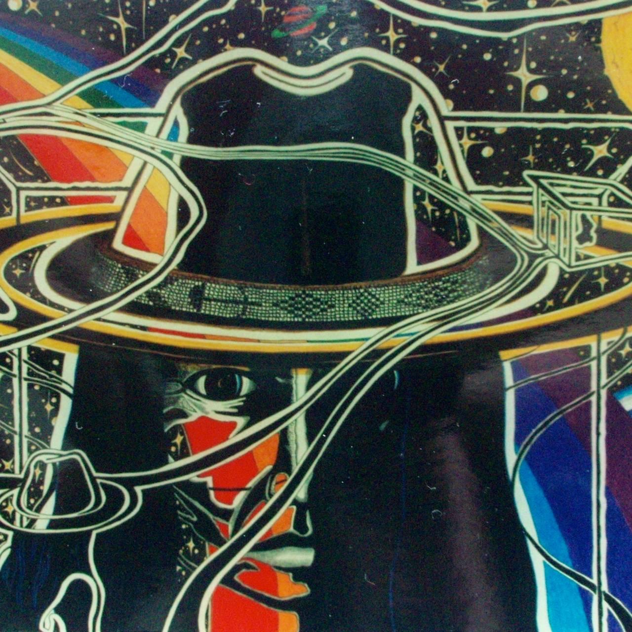 Surrealistisk maleri av et hode med hatt, søramerikansk stil, hvor bakgrunnen er universet med regnbue til venstre og jordkloden bak til høyre. En mindre versjon av samme skikkelse ser på dette hodet