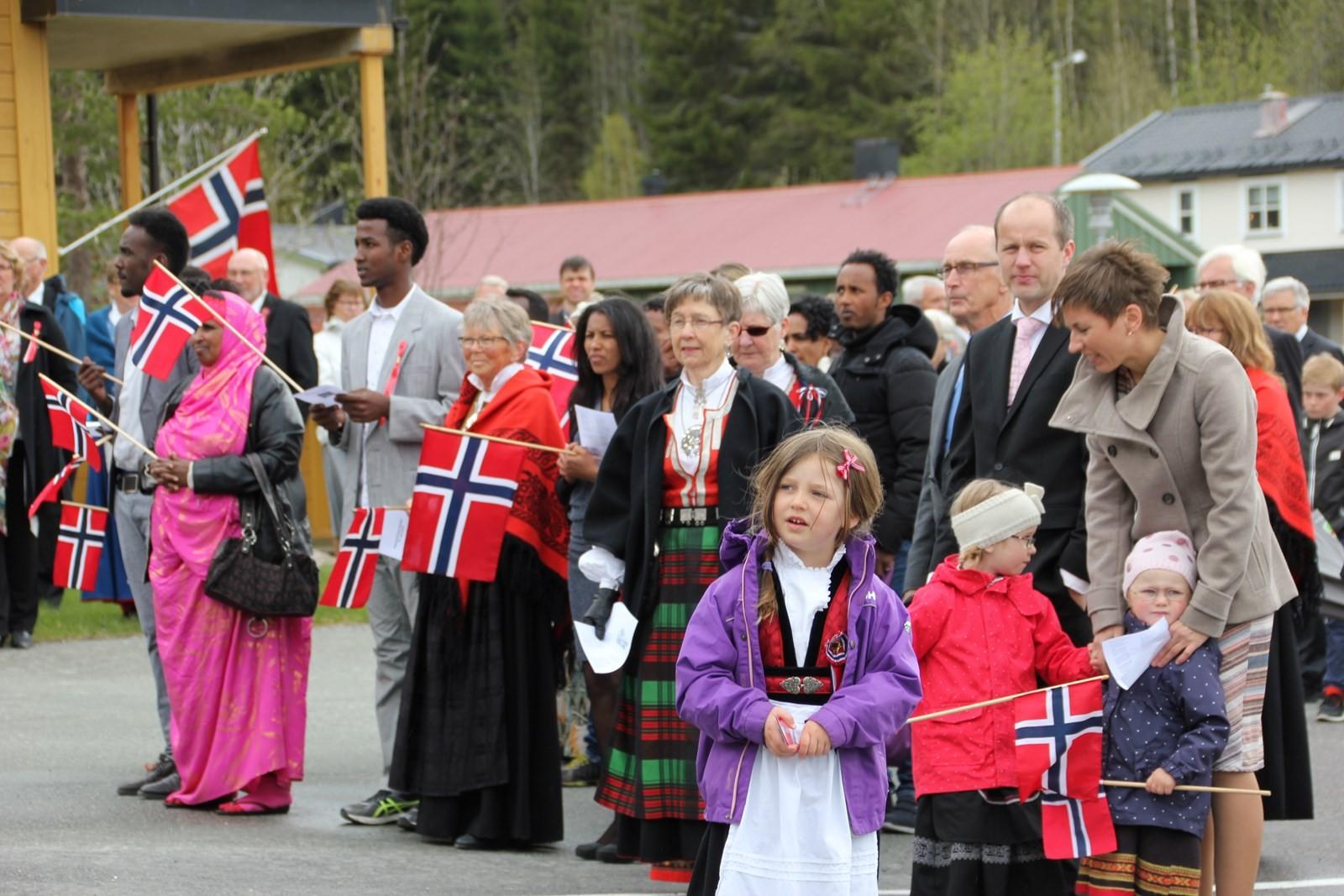 Mange så på folketoget i Rindal.