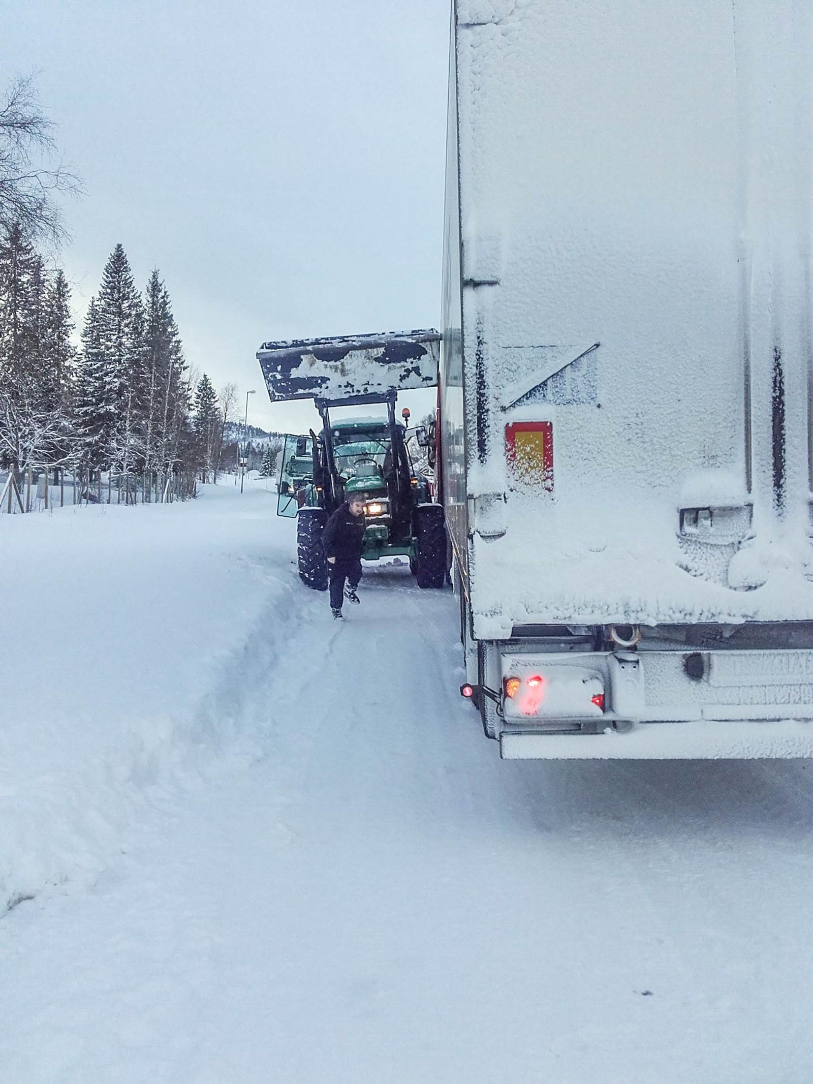 Fleire vogntog stod fast på E6 ved Trones idag.