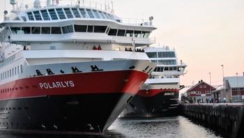 Hurtigrutene anløper Rørvik