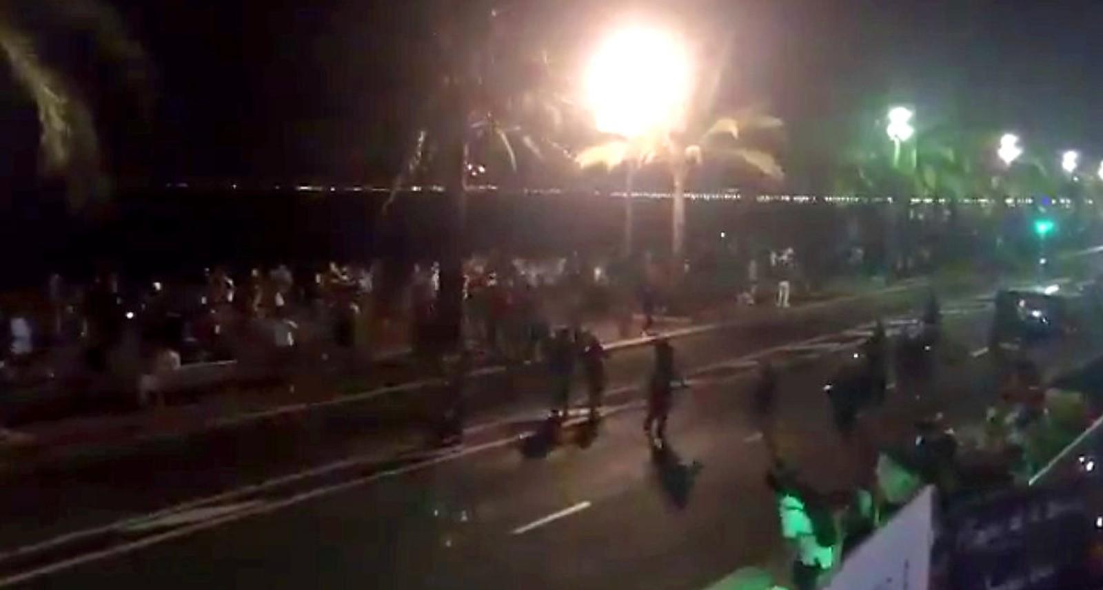 Terrorangrep i Nice 14. juli 2016: Folk flykter i panikk.