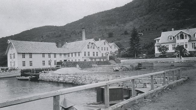 Sognefjorden Sardine Co. A/S. Foto: A. B. Wilse.