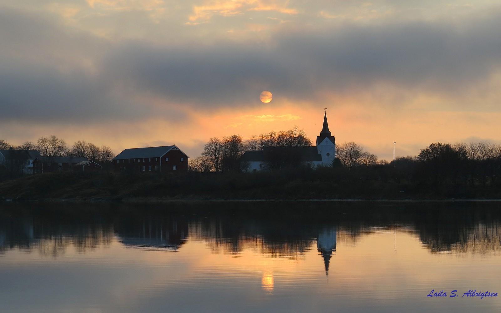 Sol over Helgelandskatedralen.