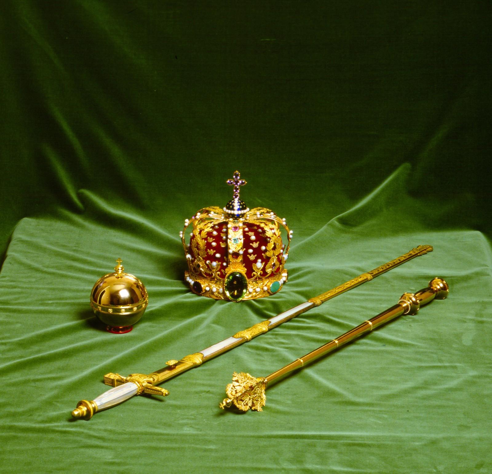 Monarkens riksregalier - laget i Stockholm i 1818