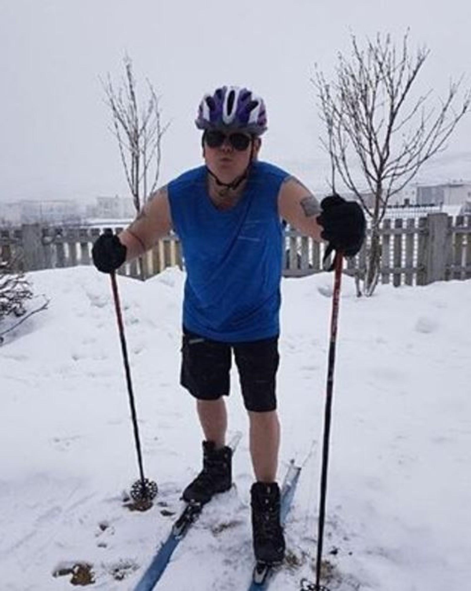 Tom Hansen nyter vinteren mens han venter på sommeren.