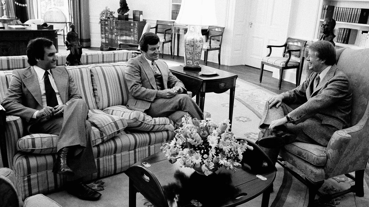 President Jimmy Carter i Det ovale kontor i 1977.