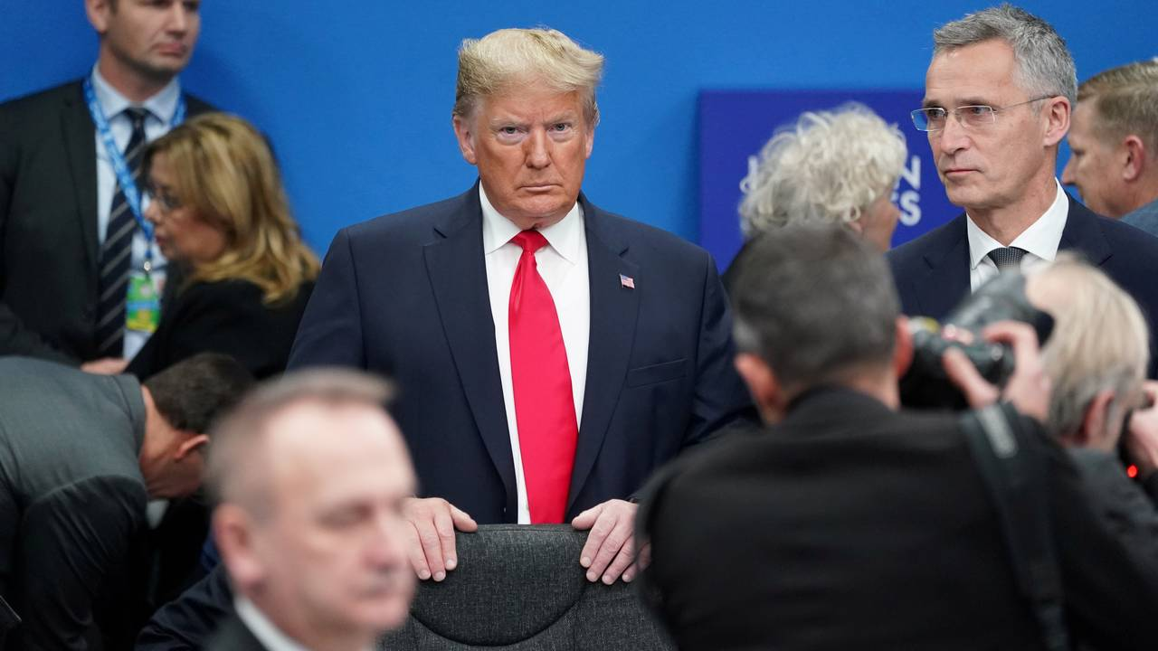 USAs president Donald Trump og Natos generalsekretær Jens Stoltenberg under Nato-toppmøtet 4. desember 2019.