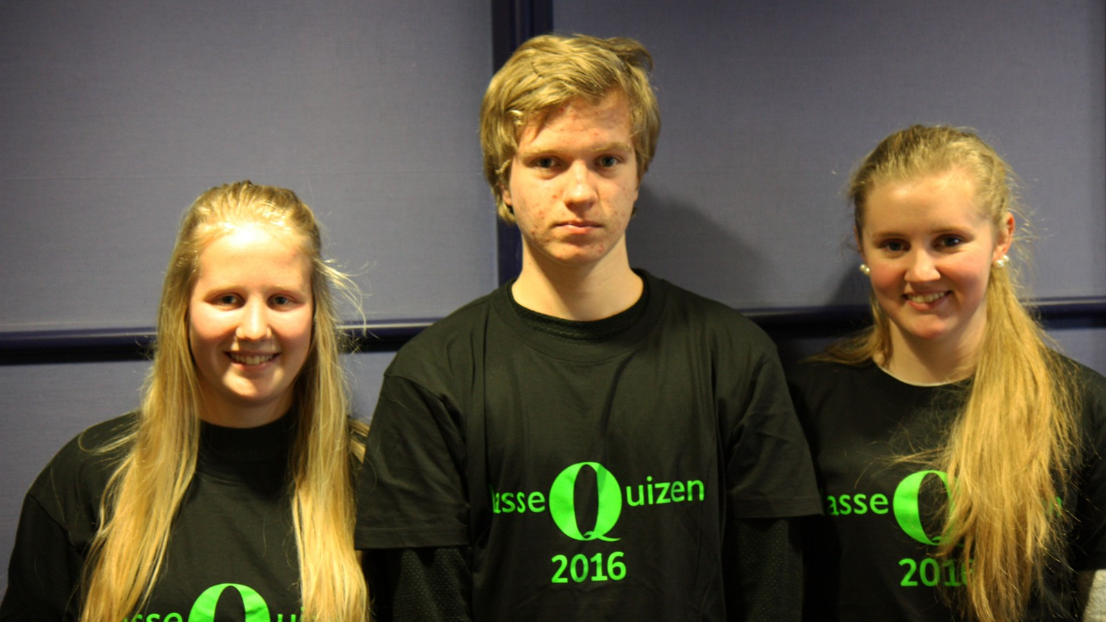 NI POENG: Anette Espevik, Eirik Dørheim og Guro Emilie Øglænd fra Ølen skule.