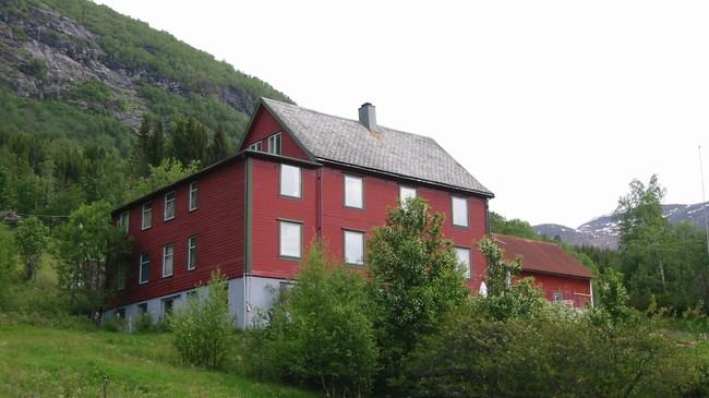 Tidlegare Jølster Gamleheim. Foto: Arild Nybø, NRK.