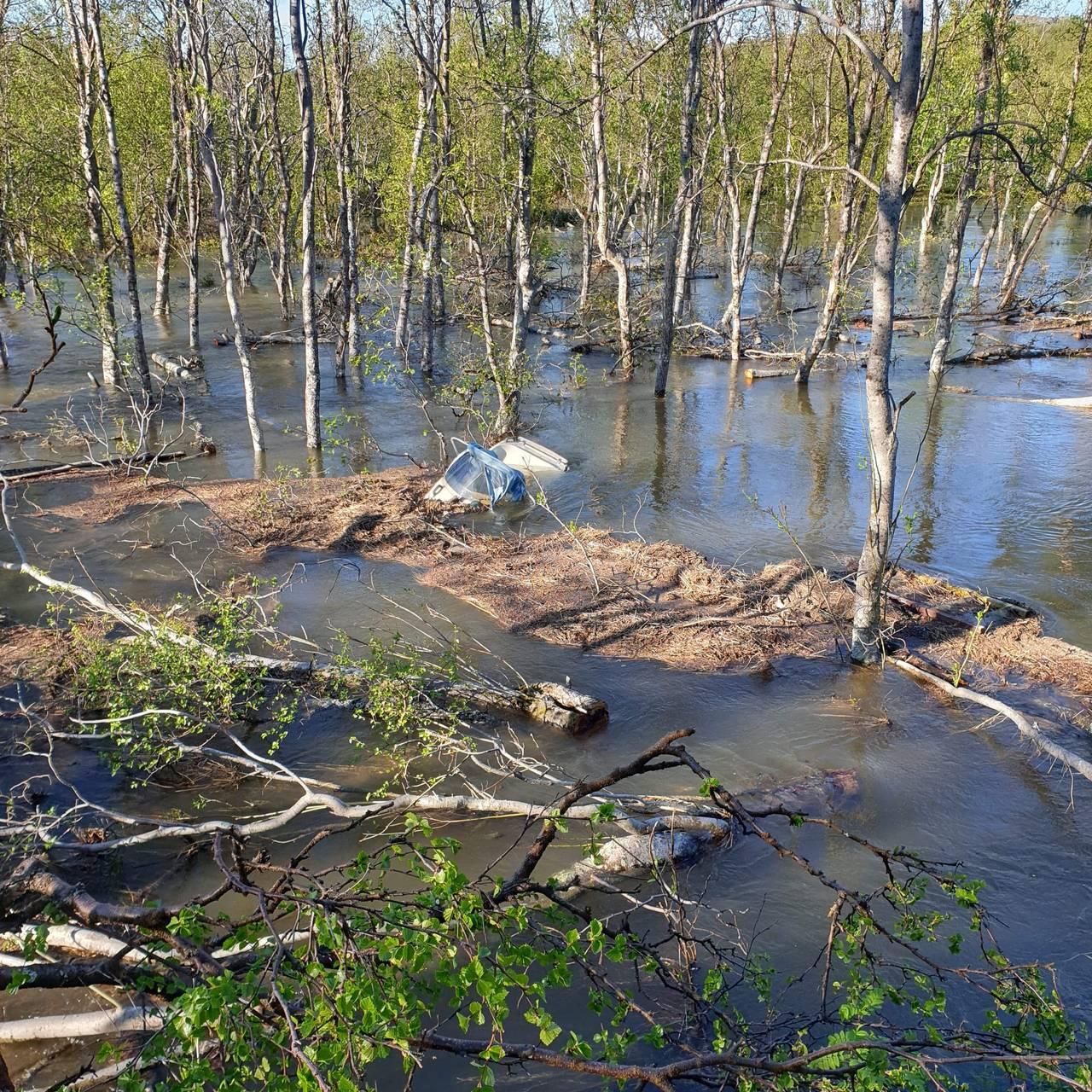 Klemetstadveien under vann, flom porsanger