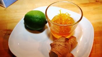 Lime, appelsinskall og ingefær