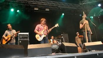 Hans Rotmo holdt lørdag sin eneste konsert denne sommeren på Storåsfestivalen sammen med Vømlingan.