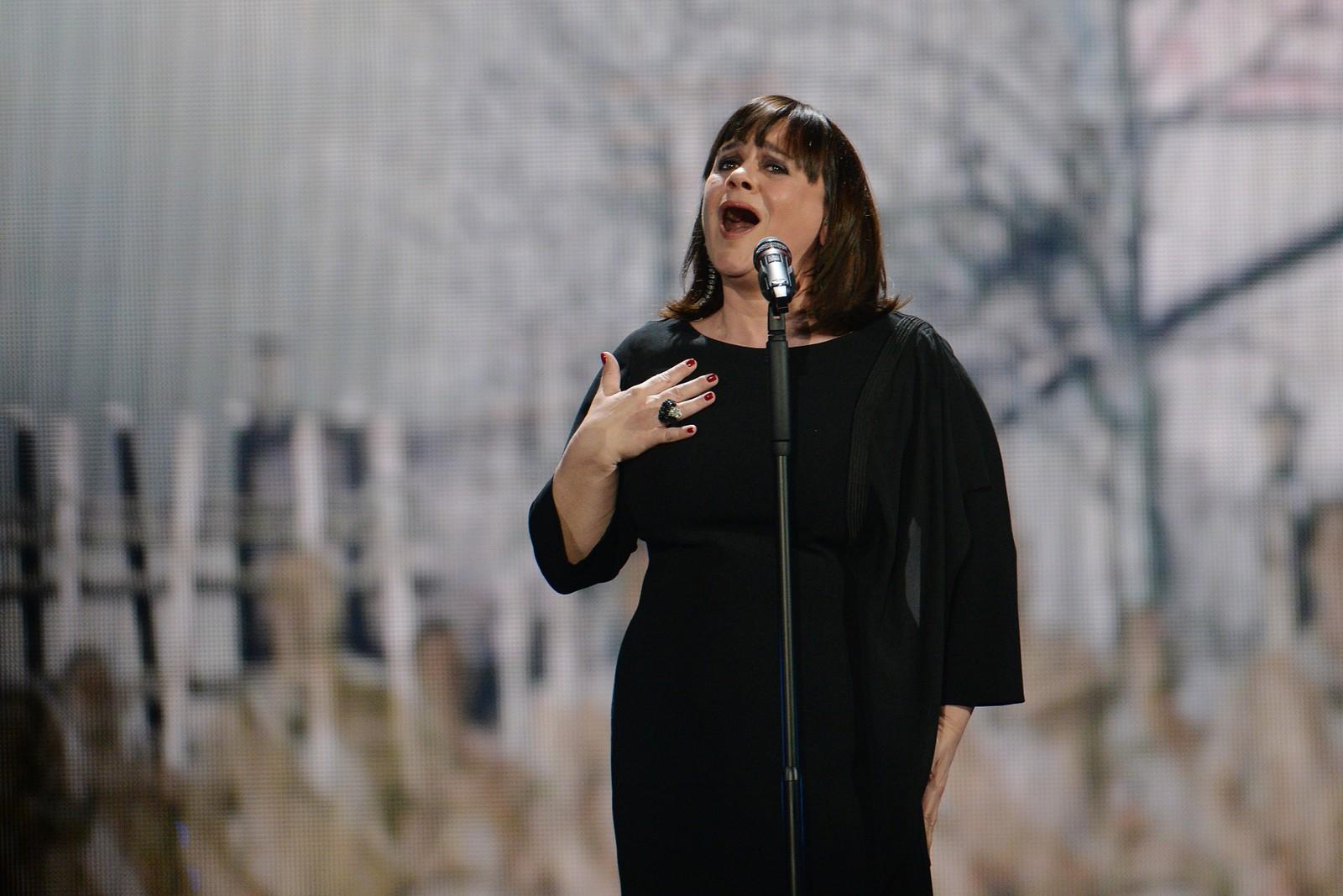 2. FRANKRIKE: Artist Lisa Angell tar seg av krigsnostalgien under årets ESC med låten «N'oubliez pas»; «glem ikke». Låten ble første gang fremført i november, under en minneseremoni for første verdenskrig.