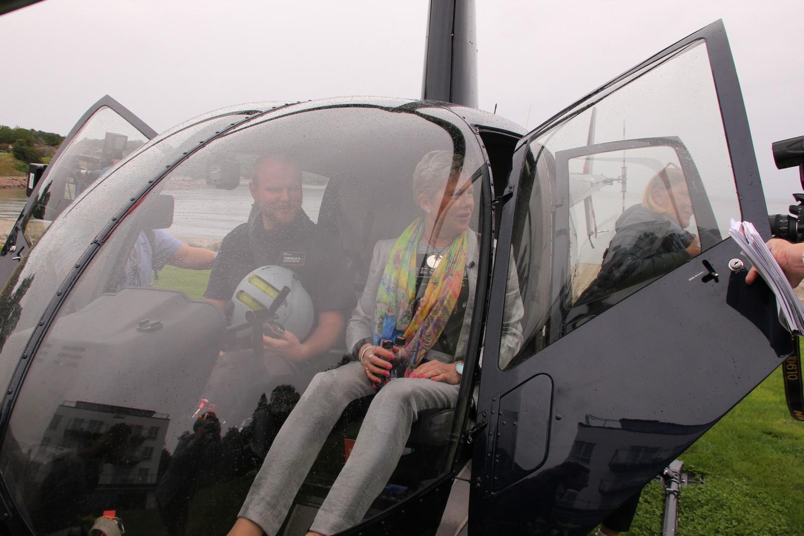 Berntsen fant seg raskt til rette i helikopteret.
