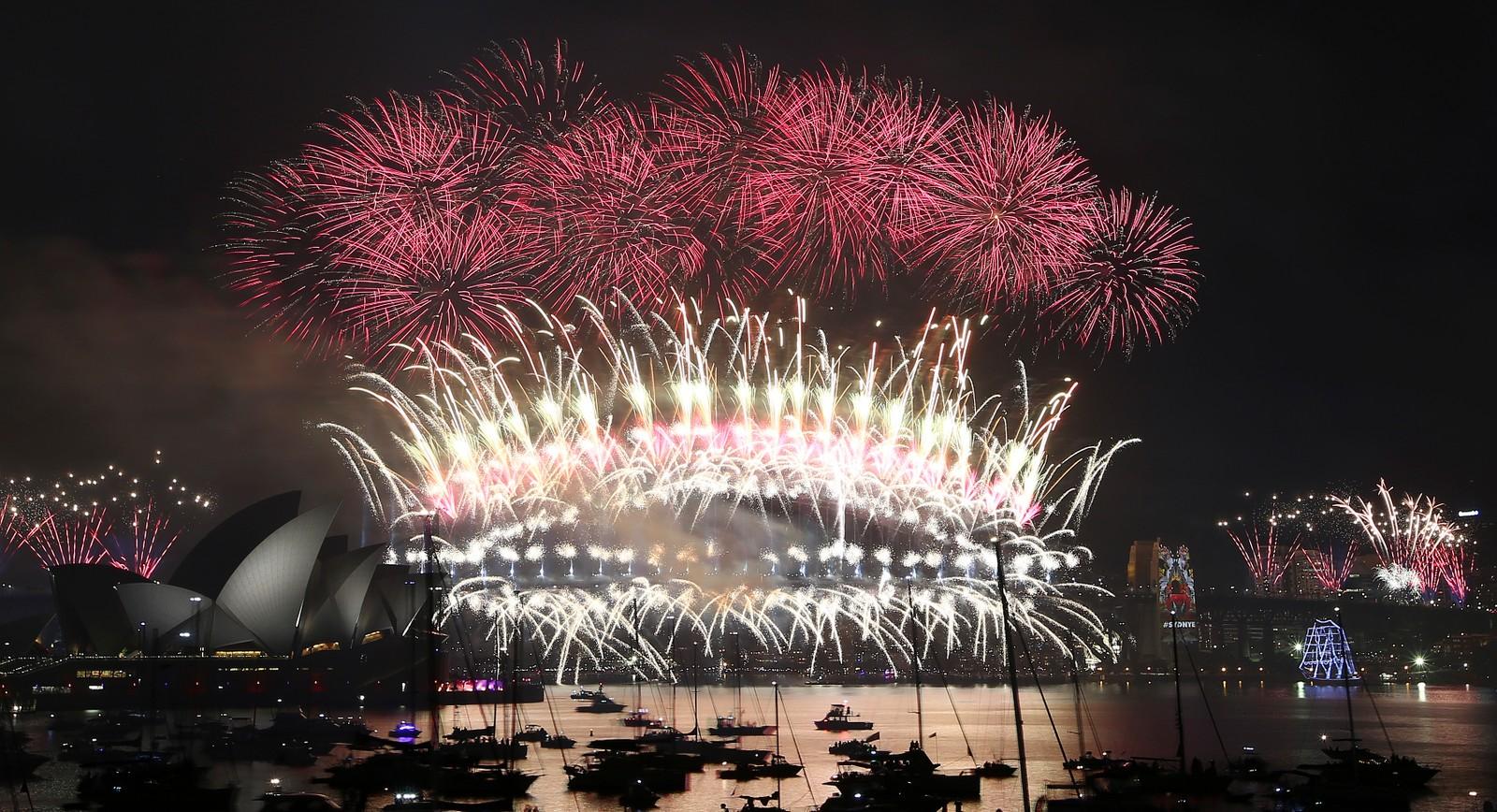 Som vanlig imponerte Sydney med et storslagent fyrverkeri da de som én av de første storbyene i verden gikk inn i det nye året.
