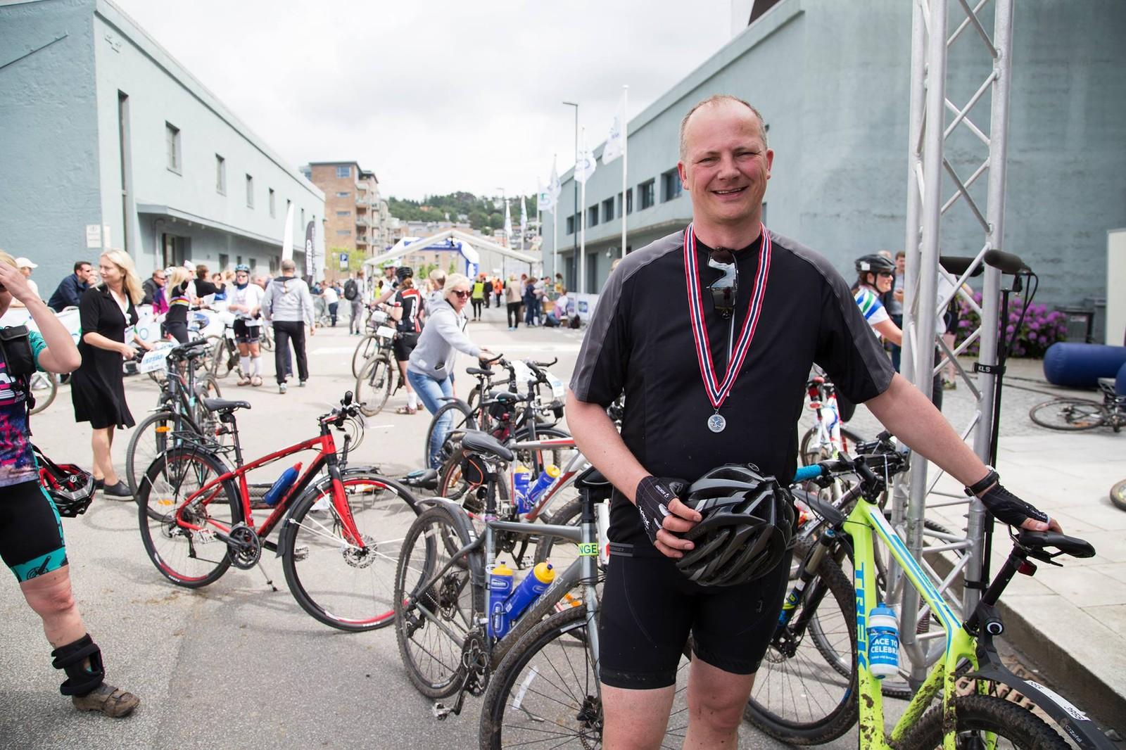 Samferdselsminister Ketil Solvik Olsen (Frp) etter målgang i Nordsjørittet.