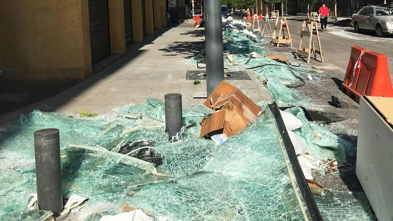 Knust glass overalt i Beirut sentrum.