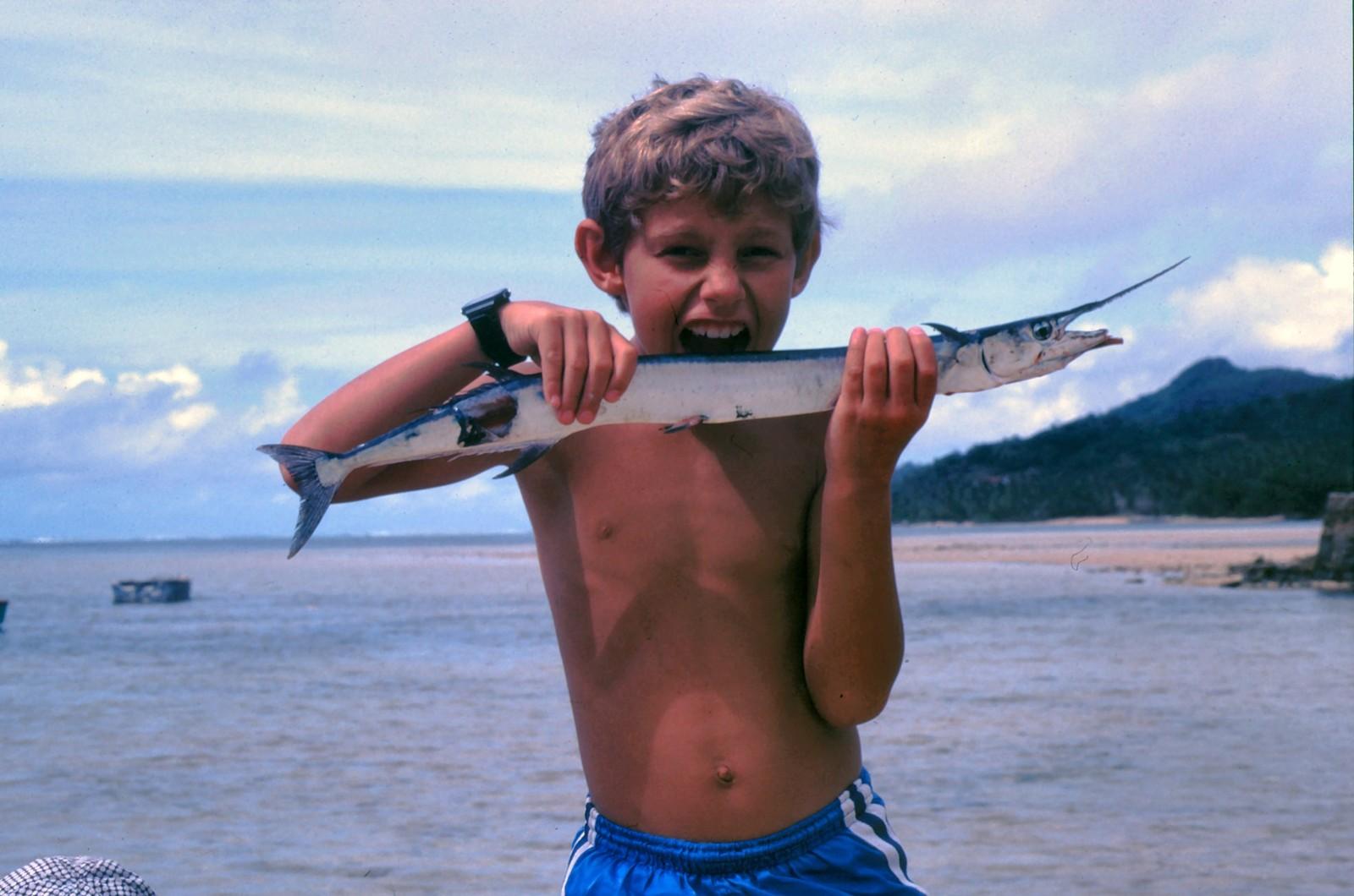 Torgeir Knag Fylkesnes (SV) som liten på en strand i utlandet.