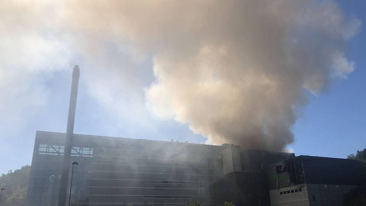 Røyk etter eksplosjon Returkraft